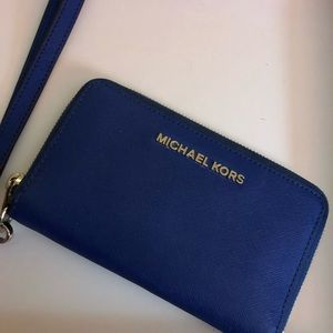 Authentic Michael Kors Wristlet Wallet